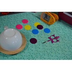 Perforatrice Moyenne Ronde Feston Plastique Noir 9 x 14,5 x 7 cm (dimension motif : 3.75 cm)