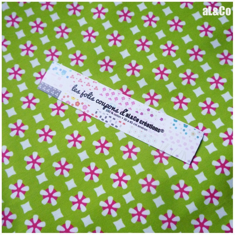 "Tissu Coton Bio collection Al&Co  ""Kyoto"" fond vert 35x50 cm (100 % Coton) style Girly"