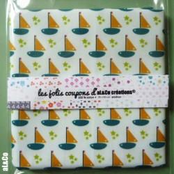 """Tissu Coton Bio collection Al&Co  """"Petits Bateaux"""" fond blanc 35x50 cm"""