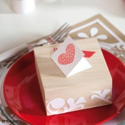 Tampon Bois, impression rectangle avec fond pois, forme : timbre et oiseau