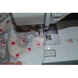 Appliqué motif Cupcakes fond étoile, tissu coton (pièce motif à appliquer par piqure, non adhésif)