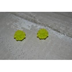 Perles très fines, forme bouton de Fleur dalhias, en résine, 15x8 mm, la taille du trou 1,5 mm,  lot de 2, couleur vert fluo