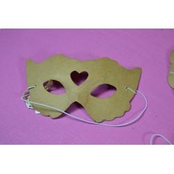 Masque de Reine de Coeur (ou Roi de Coeur)  en papier mâché dim. 15.5 x 8.5 cm, 1 pièce