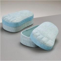 Boite décorative pied de bébé bleu en carton & papier crépon