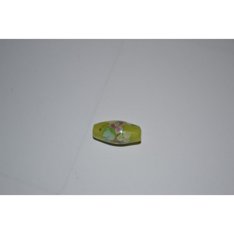 Perles Rétro anciennes  en verre fleuries fond vert clair Peintes à la main (sachet : 2 pièces)