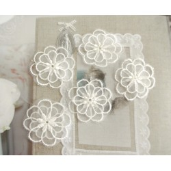 """Appliqué Fleur (vendu à l'unité) -2couches blanche mariage couture 3.5 cm (Lot ZZ01) Sélection """"Dans mon Grenier"""""""