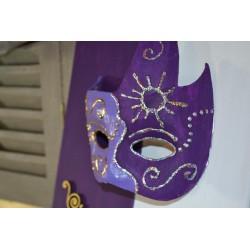 """Masque Demi """"Plume""""  en papier mâché (16.5 x 16cm)"""