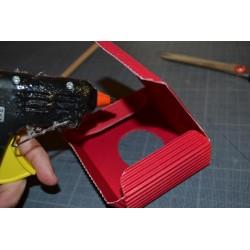 Pistolet à colle chaude livré avec 2 bâtons de colle (7 mm)