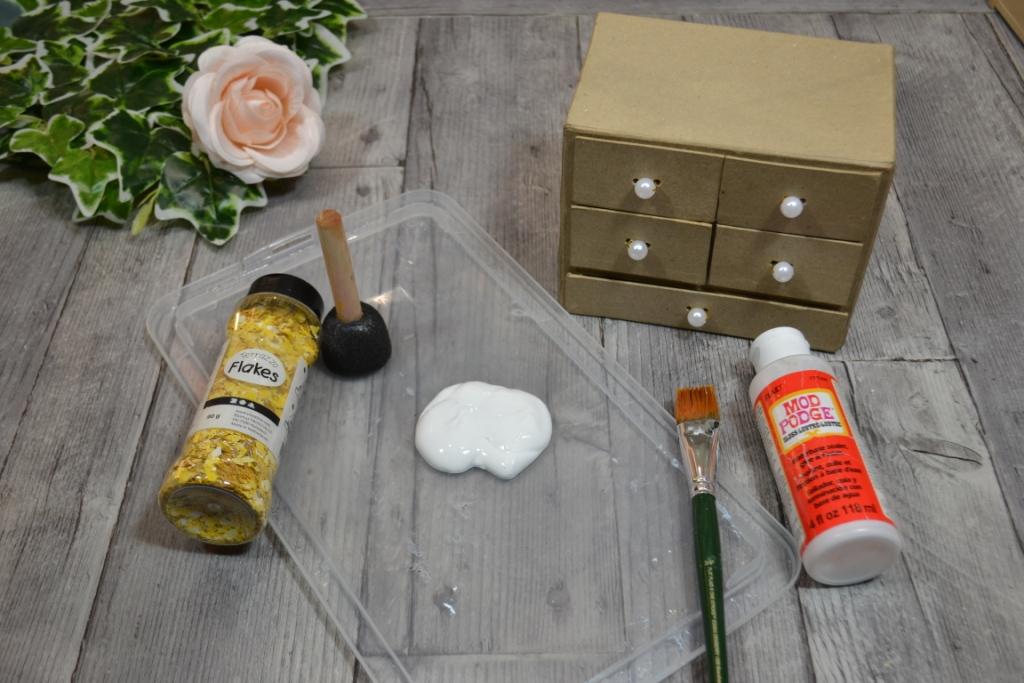 commode-papier-mache-tiroir-decorer-peinture-effet-terrazzo-eclat