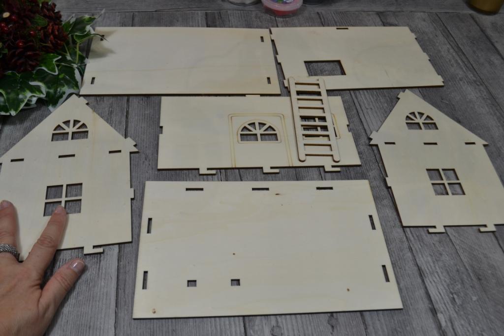 maison-pere-noel-fabriquer-bois-diy-loisirs-creatifs-boutique-a63-silence-elle-cree