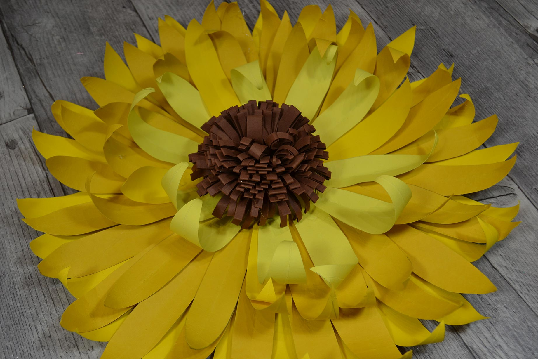 diy-tournesol-en-papier-astuce-tuto-decoration
