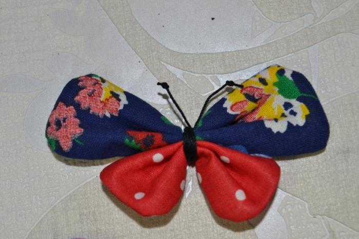 Atelier Couture Facile : Avec des restes de tissu, je réalise des papillons !