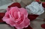 Atelier Couture Facile : Coussins Romantiques - Apprendre à réaliser des fleurs en ruban de feutre ou feutrine, vidéo
