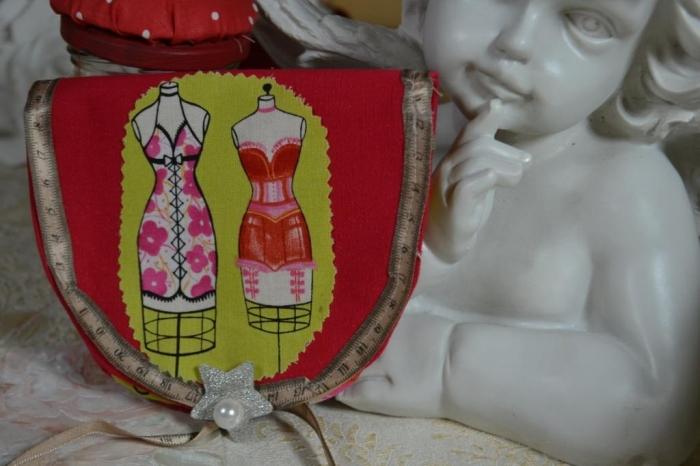 Atelier Couture Facile : Réaliser une pochette Kit accessoire de Couture en 2 minutes ! vidéo