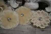 Atelier RECYCLAGE : fleurs SHABBY CHIC ROMANTIQUE, RECUP DENTELLE  Tulle doré et Restes de Tissu, TUTORIEL