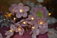 Atelier Thermoformage : Guirlande lumineuse de fleurs réalisées avec Moule Thikas