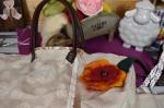Coudre un sac cabas en lin décoré d'une fleur réalisée en laine feutrée, vidéo