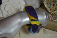 La laine cardée peut s'utiliser pour réaliser des Bijoux !  Bracelet en laine Feutrée VIDEO